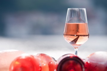 Rose wine. Credit:  tunçsel ülkü
