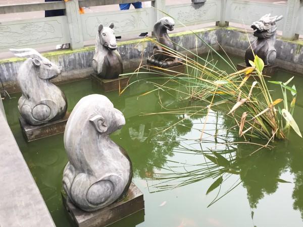 Zodiac pond Mount Emei China