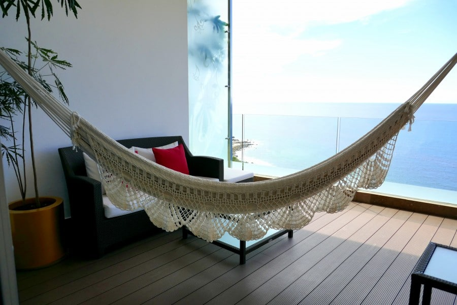 Discovering luxury wow moments at hotel mousai in mexico for Balcony hammock