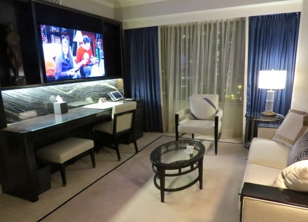 Experience Upscale Green Stays at The Peninsula Chicago ...