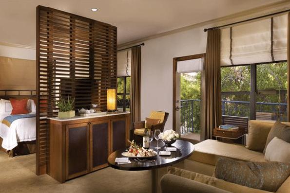 Fairmont Gold Junior Suite