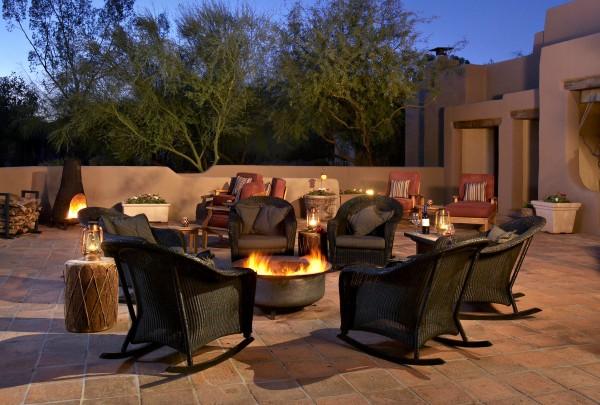 Hermosa Inn - Lon's back patio