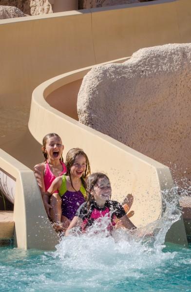 Sip Soak and Splash this summer! Photo courtesy Sheraton Grand Wild Horse Pass