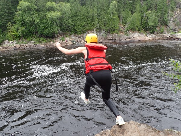 Cliff jumping H2O Expedition Quebec
