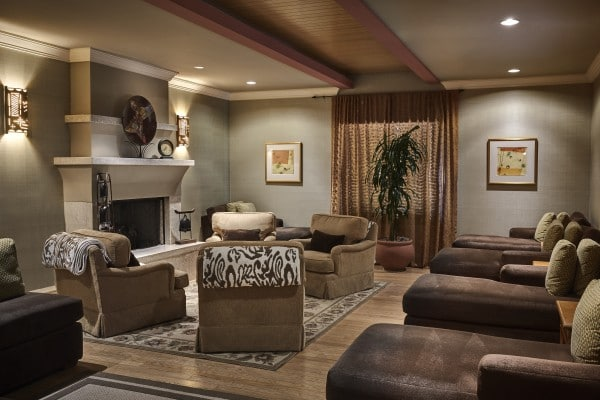 Relax before and after a spa appointment in the women's relaxation lounge. Photo by Werner Segarra courtesy of JW Marriott Phoenix Desert Ridge Resort & Spa