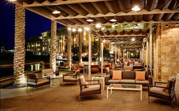 The outdoor patio at Twenty6 serves up the same great drinks, but with the Phoenix desert ambience. Photo courtesy of JW Marriott Phoenix Desert Ridge Resort & Spa