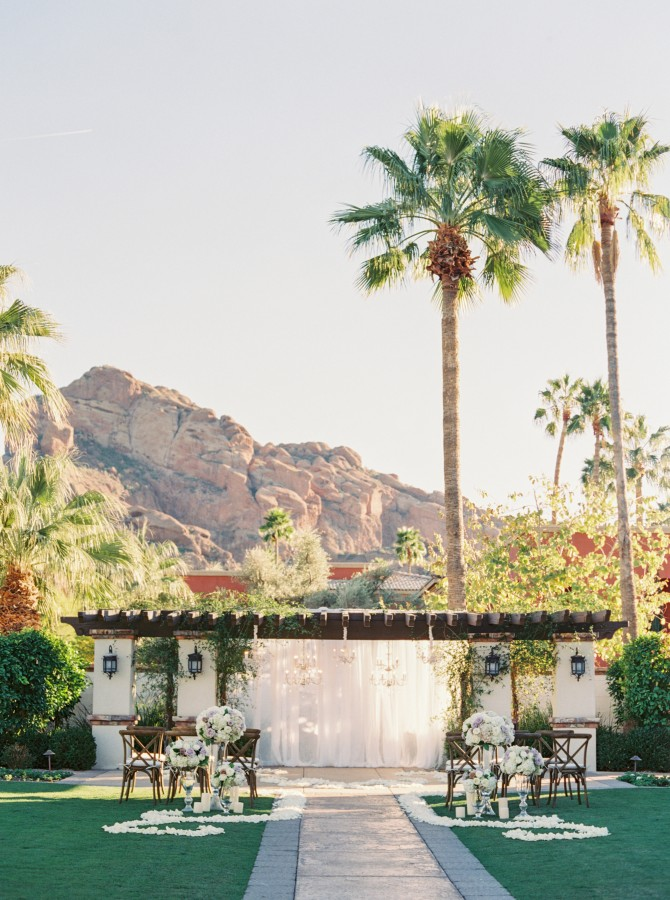 "Pick the perfect venue to say ""I do."" Photo courtesy Omni Scottsdale Resort & Spa at Montelucia."