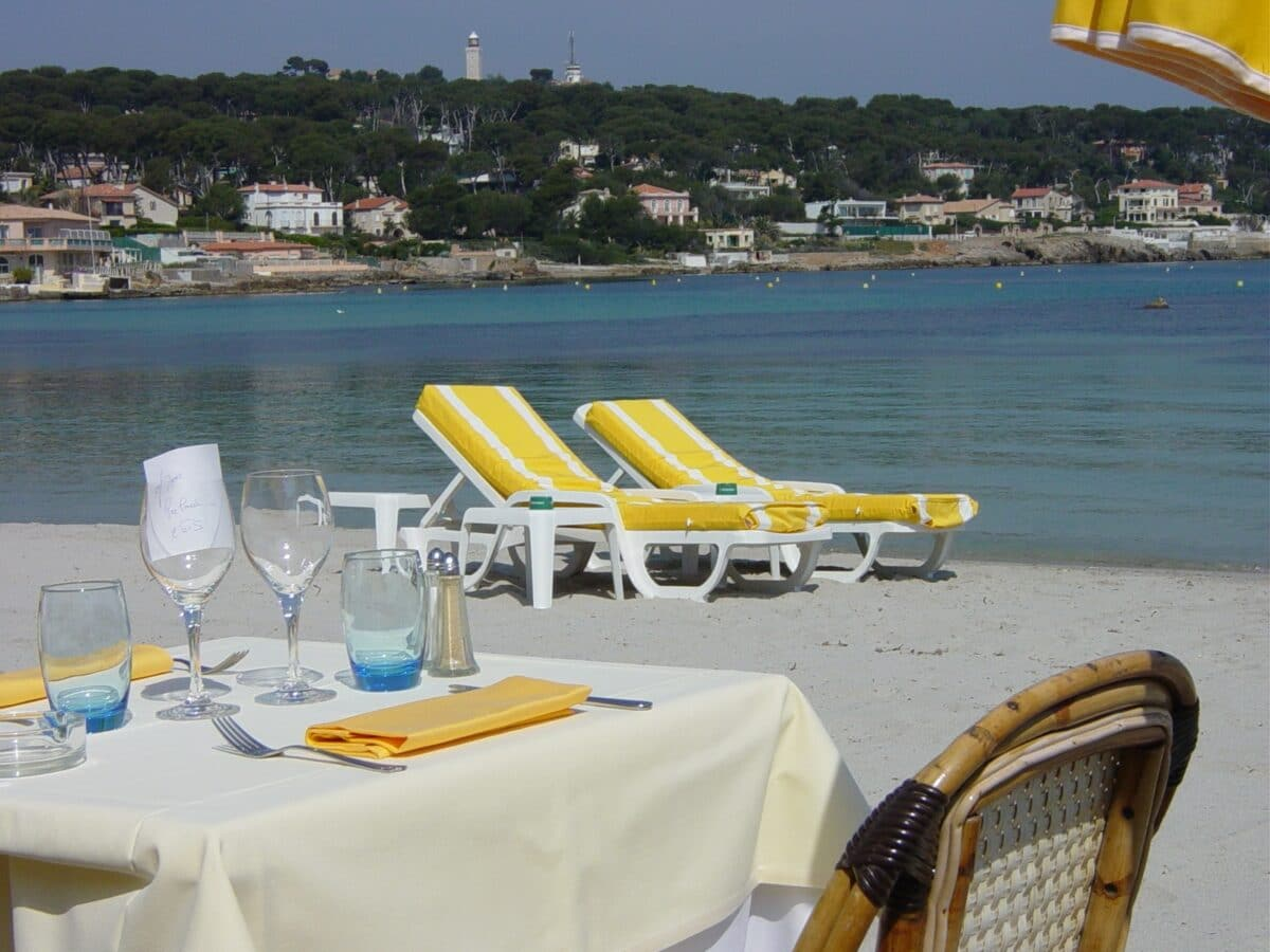 Bringing Home Provence Plage Keller offers a lovely spot for lunch or dinner on the beach in Antibes. Photo by Susan Lanier-Graham