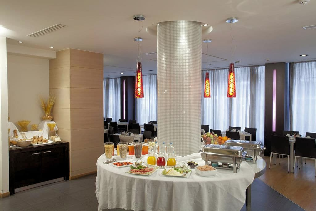 Hotel Olympia Breakfast
