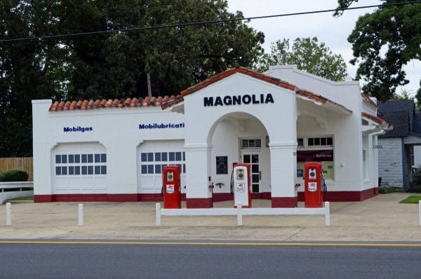 Magnolia Gas Station - Little Rock Central High School