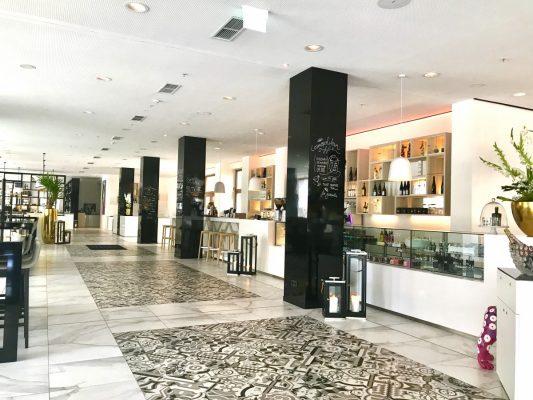 Lobby of INNSIDE Leipzig
