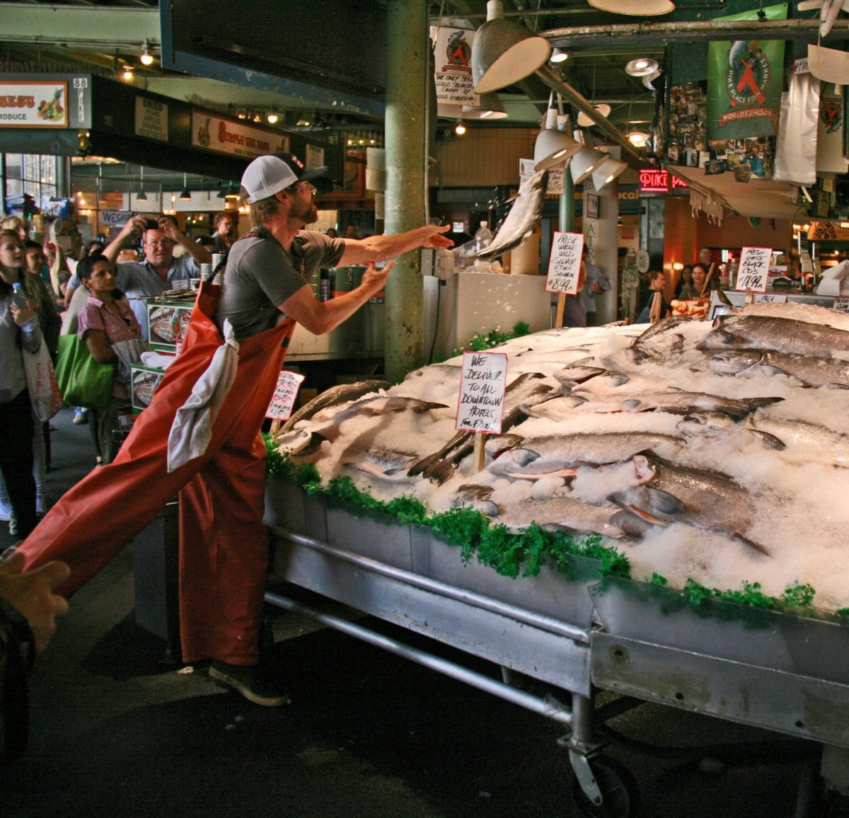 Wandering seattle s amazing pike place market for Famous fish market in seattle