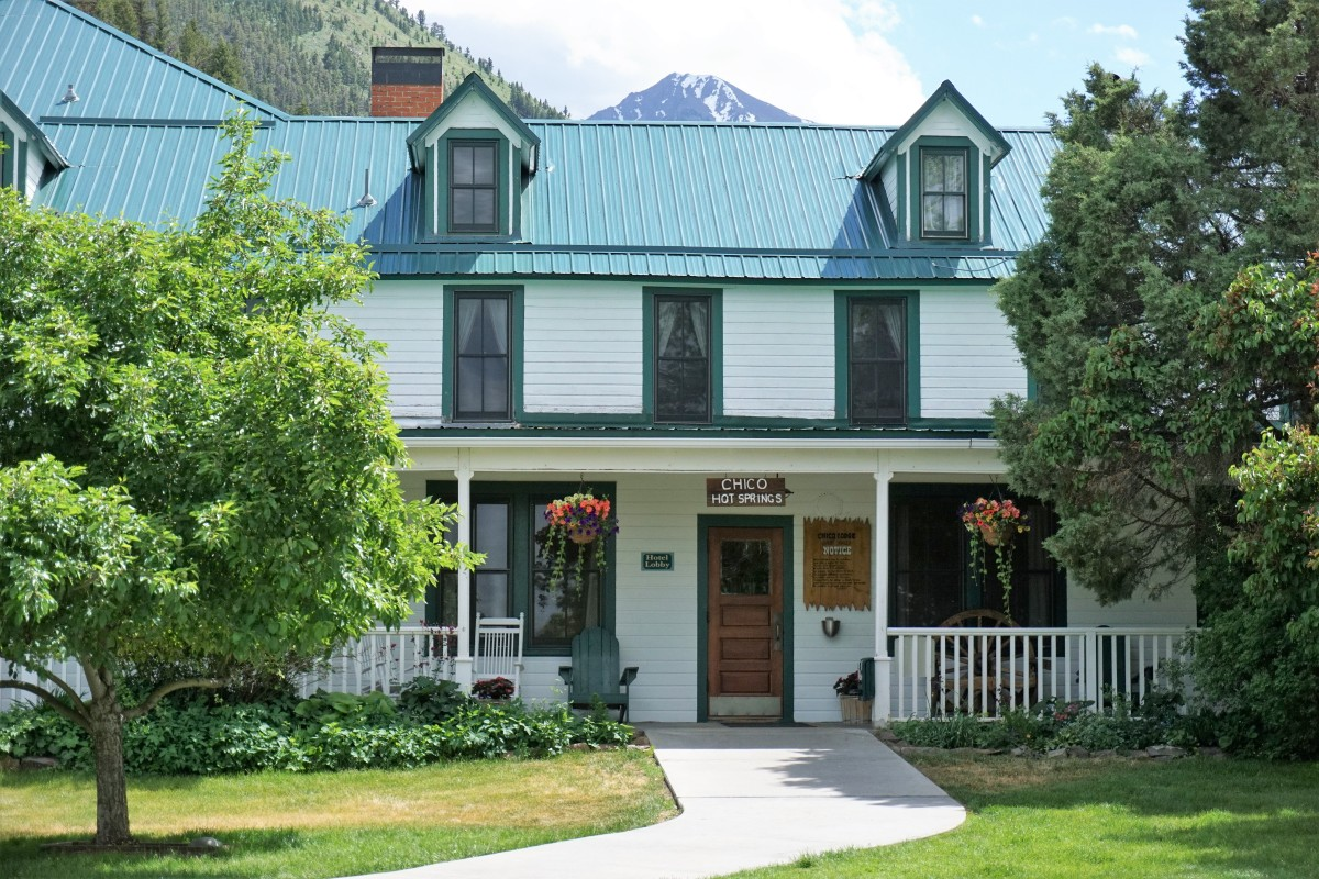 Chico Hot Springs: Ultimate Montana Year Round Resort - Wander With ...