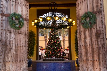 Tree lighting at Omni Scottsdale Resort & Spa at Montelucia. Photo courtesy Omni Scottsdale