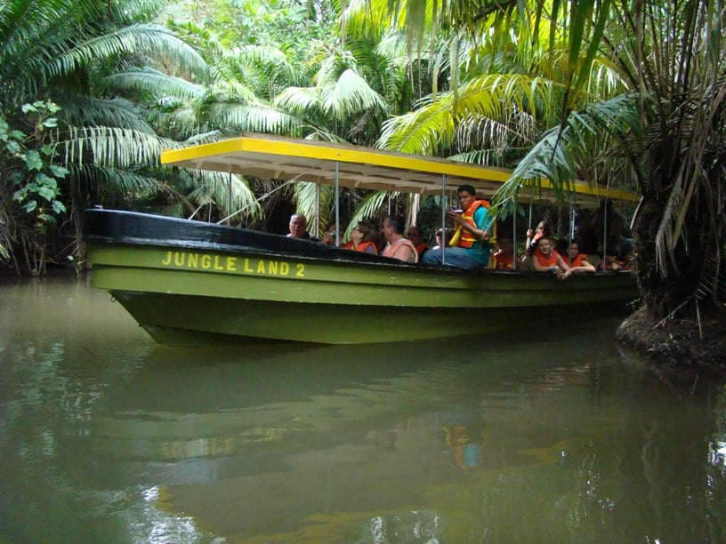 Panama Canal Zone: Floating Hotel, Jungle Safari and World-Class Fishing