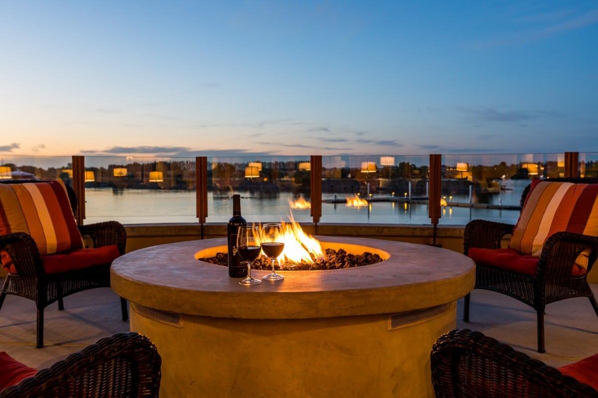 The Lodge at Columbia Point: Washington Riverside Luxury