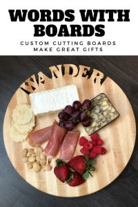 Baltimore-based Words With Boards creates beautiful custom cutting boards. Whether you're looking for a perfect bridal gift, hostess gift or something for your own house, the cutting boards from Words With Boards are functional yet magnificent works of art. #productreview #cuttingboard #american #madeintheusa #bridalgift #kitchenproducts #wooden #customgifts #gifts