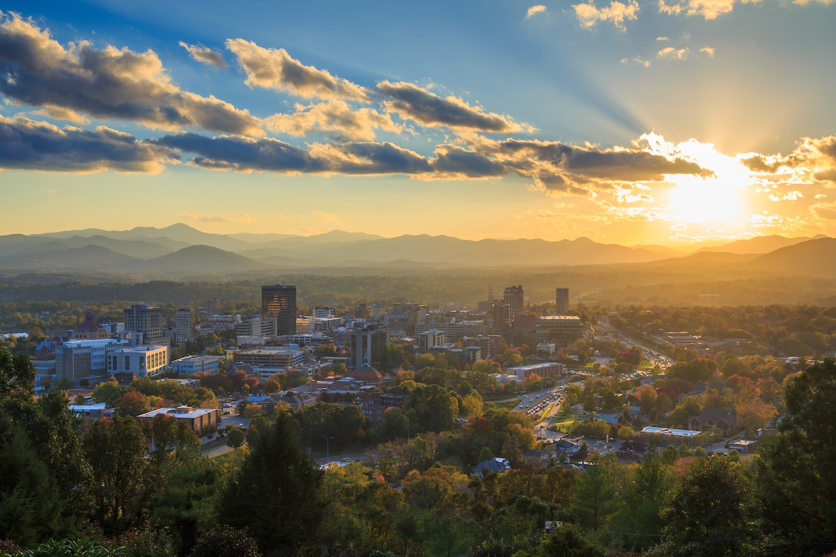 Discovering Asheville NC: Architecture, Beer, Music and More