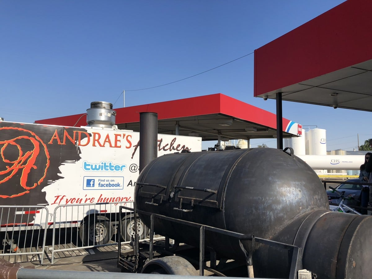 Walla Walla Wines - The smoker and original food truck for Andrae's Kitchen. Photo by Susan Lanier-Graham