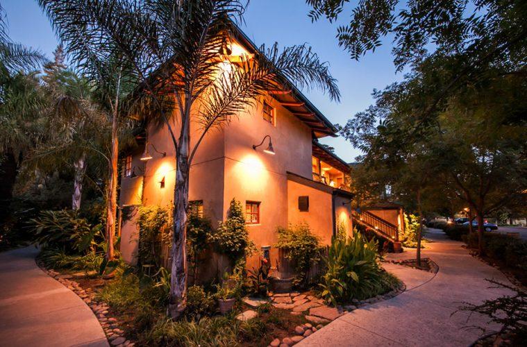 Casual Elegance Meets Natural Beauty At Lodi California Hotel Wander With Wonder