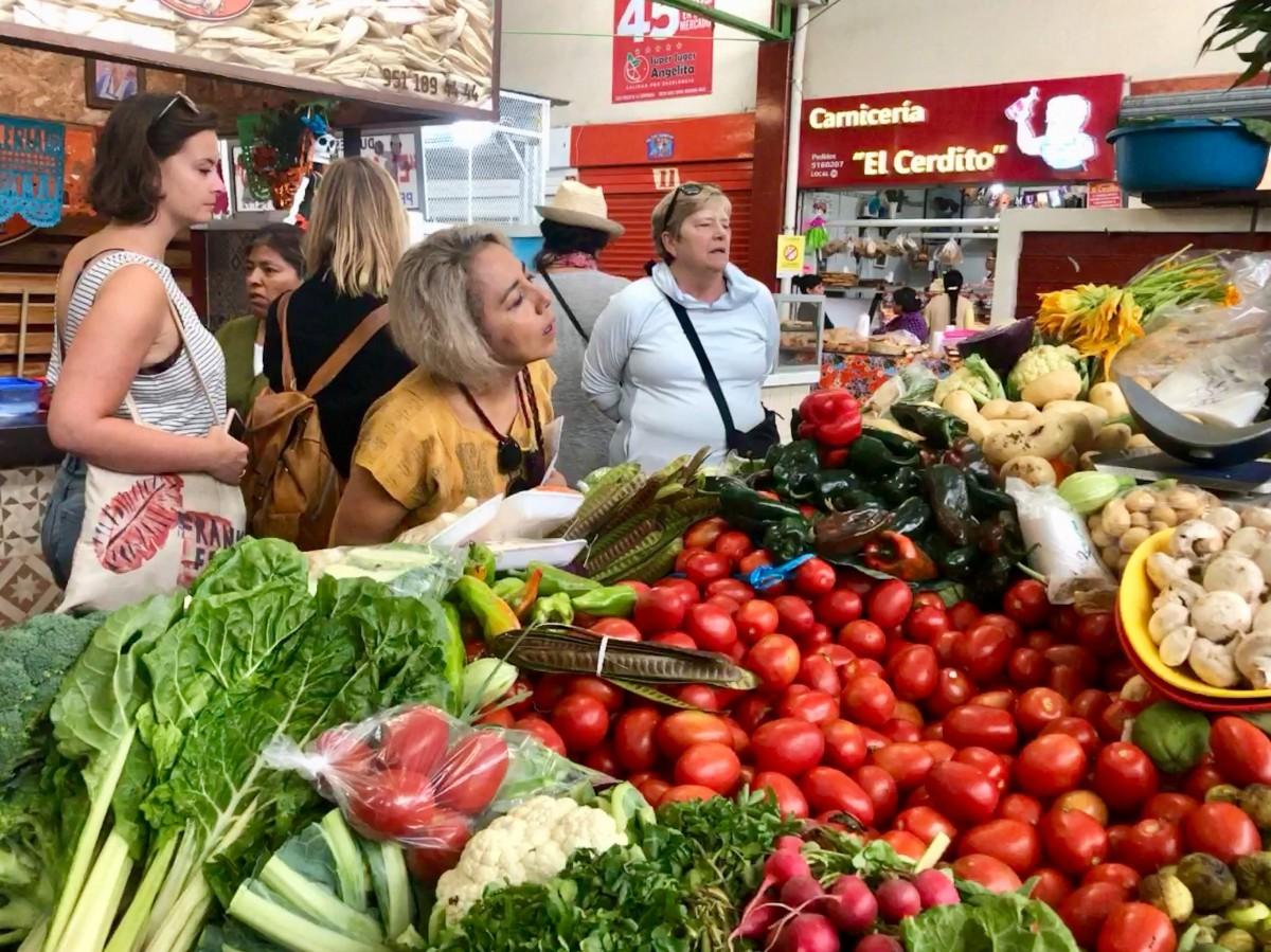 unique flavors and traditions of Oaxaca found in Mercado Sanchez Pascuas