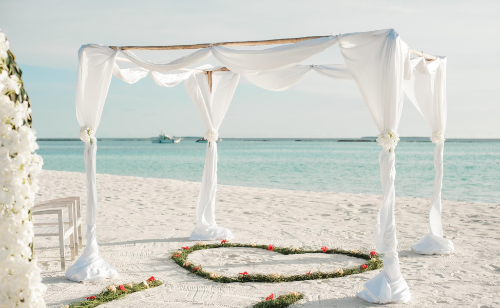 Florida is an absolutely dreamy place for a destination wedding
