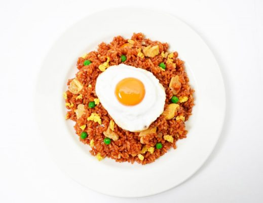 Yacht Cruise in Indonesia - Nasi Goreng is a traditional Indonesian breakfast item. Photo by Public Domain Pictures from Pixabay.