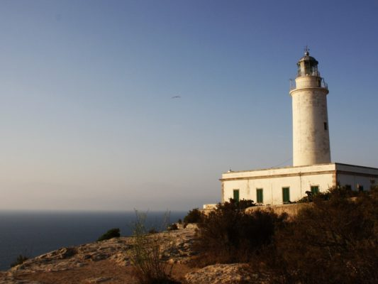 The lighthouse on Formentera. Photo by ElisaRiva via Pixabay.