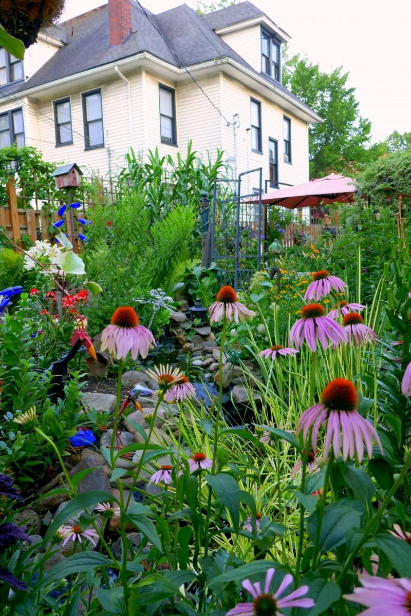 Gardens of Gordon Ballard on 604 Bird Avenue. Photo by Susan Lanier-Graham