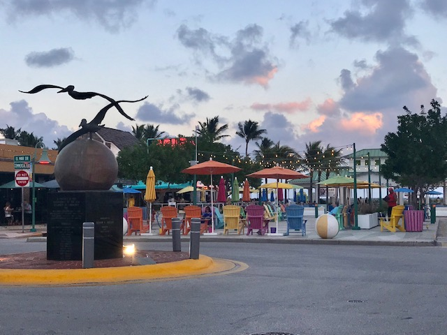 The town square in Lauderdale-by-the-Sea. Photo by Penny Sadler