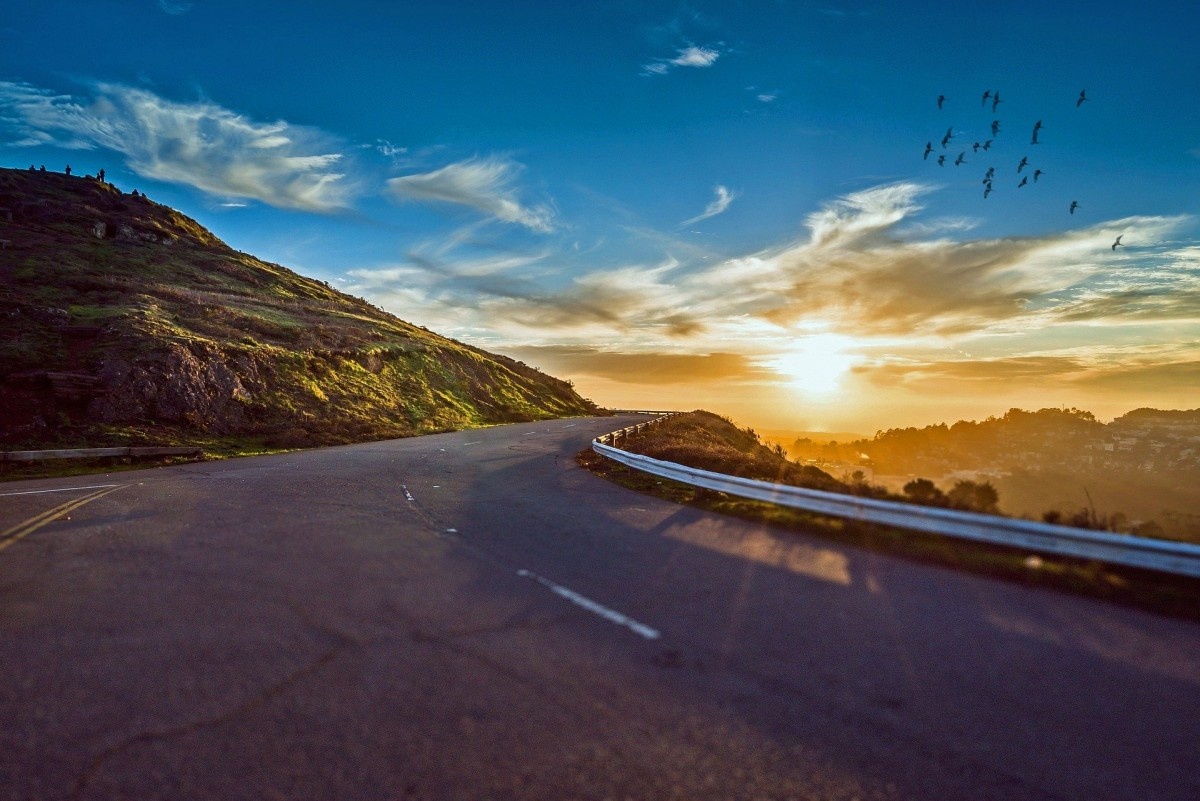 7 Things You Must Know Before Going on a Road Trip
