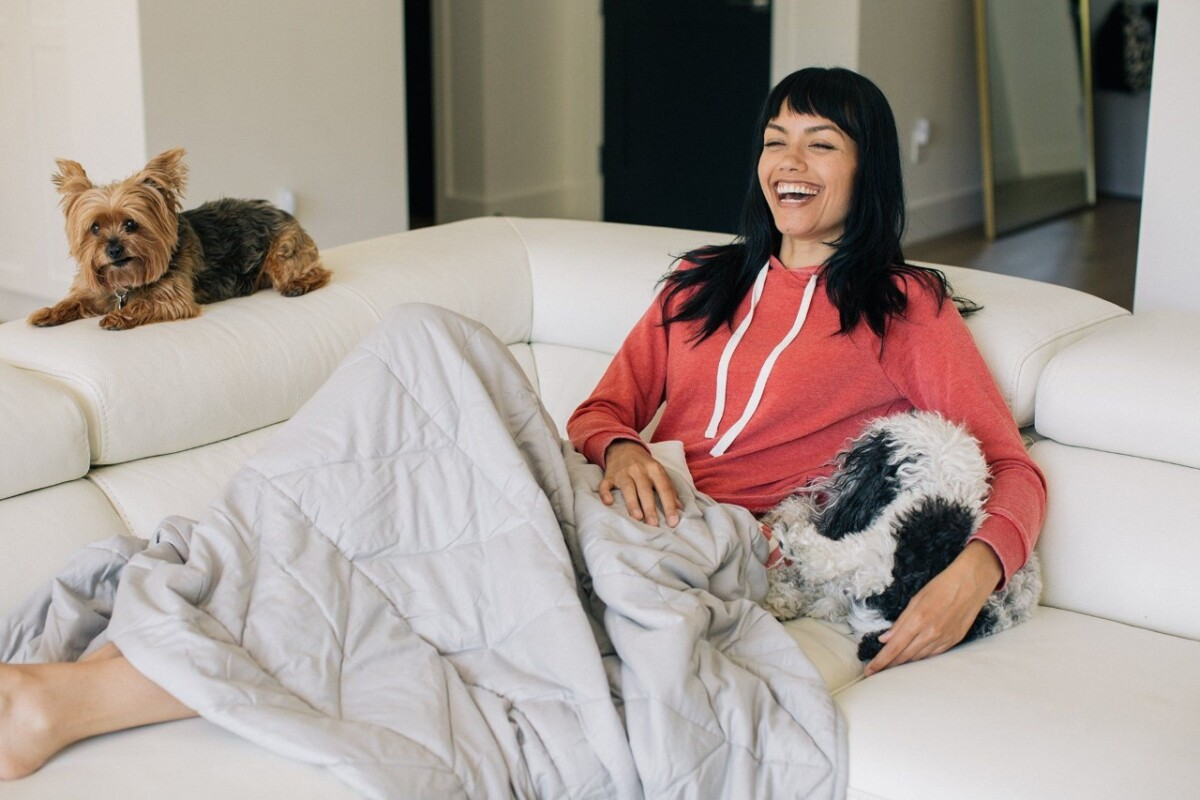 Benefits of a Weighted Blanket by Nest Bedding