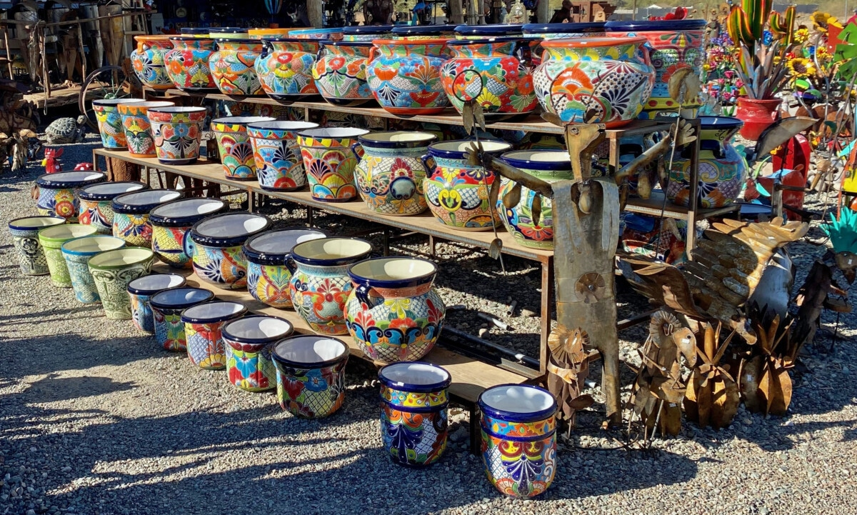 Mexican Pottery Traditions: Colorful Souvenirs and Collectible Art